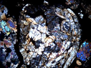 Same chondrule, but in transmitted polarized light